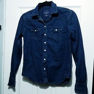 American Eagle Outfitters Tops - American Eagle Favorite Fit Snap up Denim Shirt